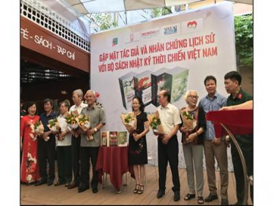 Tác giả và nhân chứng lịch sử trong bộ sách Nhật ký thời chiến Việt Nam giao lưu tại đường sách TP. Hồ Chí Minh